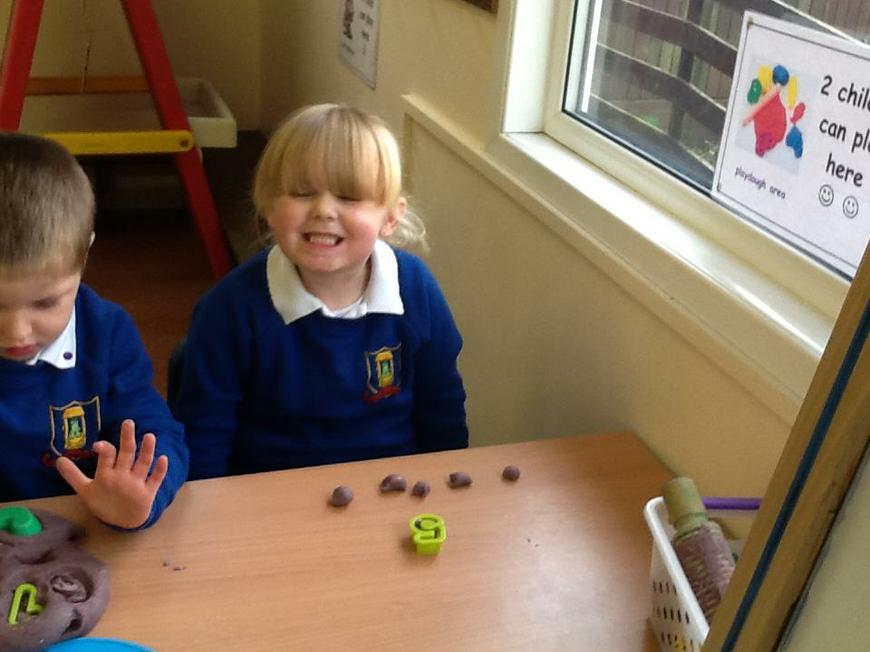 counting and recognising numbers
