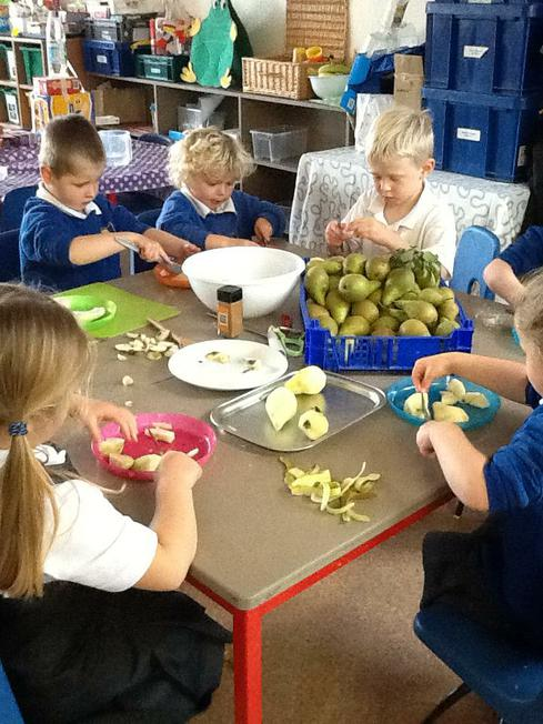 making the pear crumble