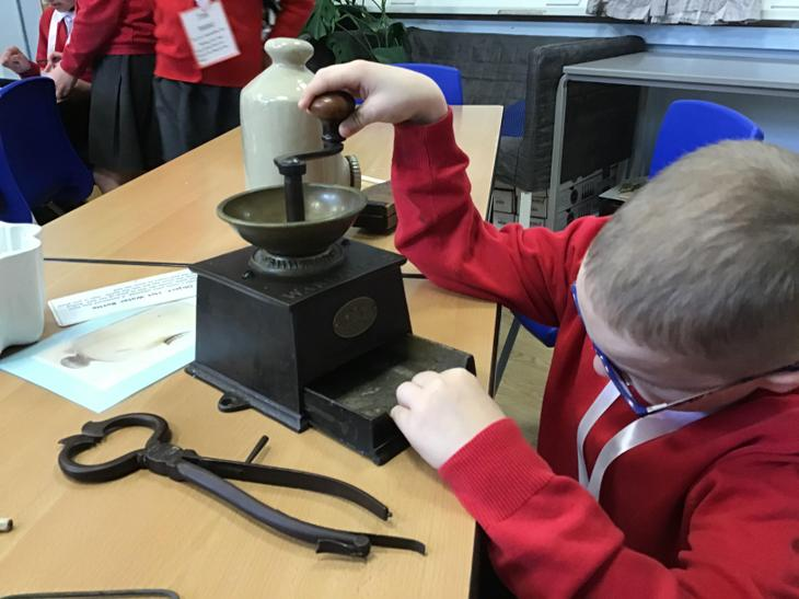 How do the artefacts move?