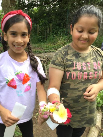We have collected a few flowers that were plentiful to create fairy crowns and bookmarks.