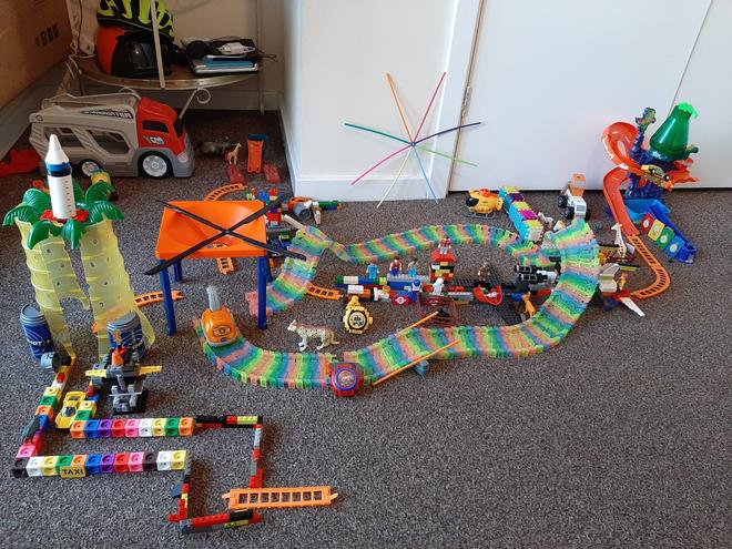 Meeran, Azul class used Lego to create a city