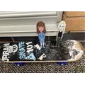Eva taught us to skateboard!