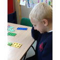 Making numbers using numicon.