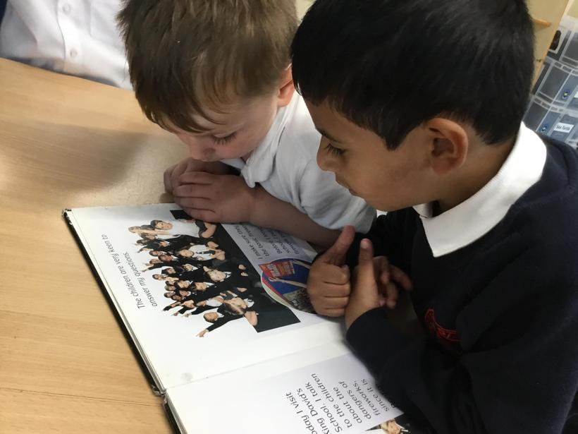 Shared reading and looking at books