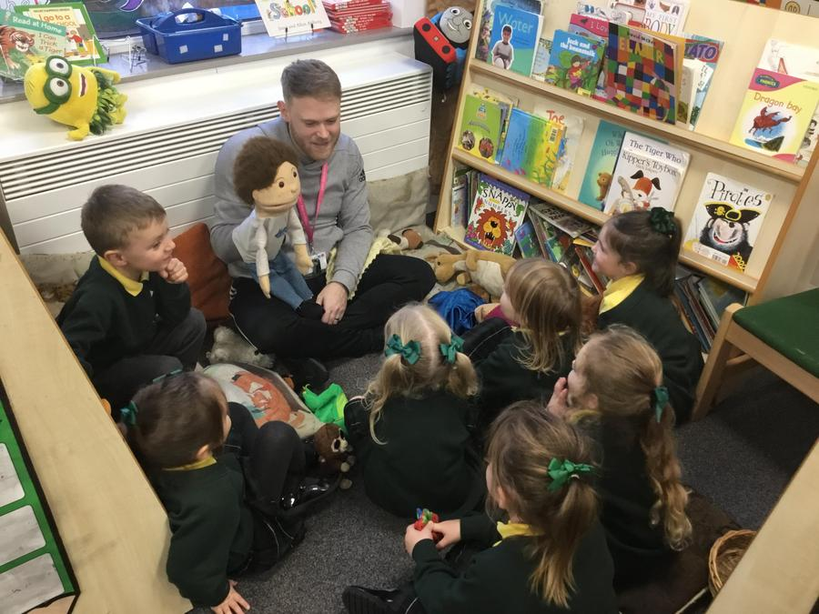 Story time with puppets