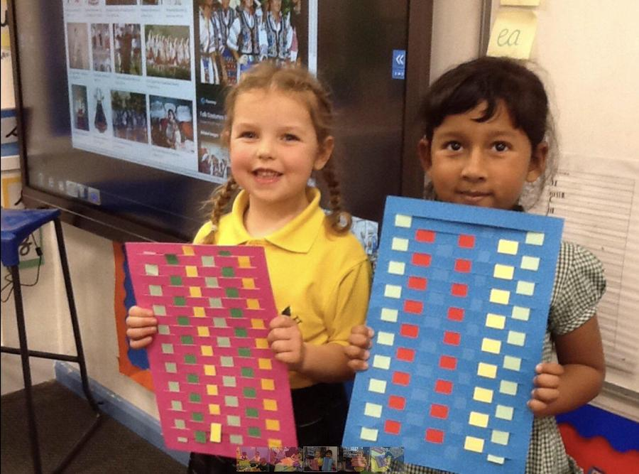 Y1 - Romanian paper weaving