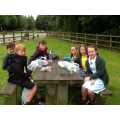 Y5s having a picnic lunch