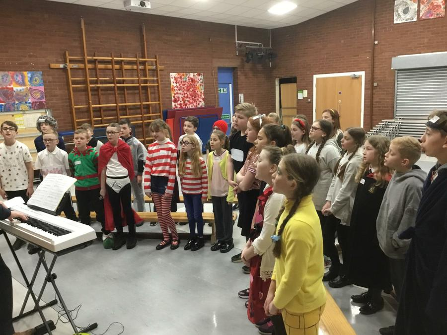 Y6 rehearsing for Let's Sing