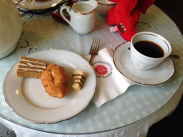 Traditional coffee and cake.
