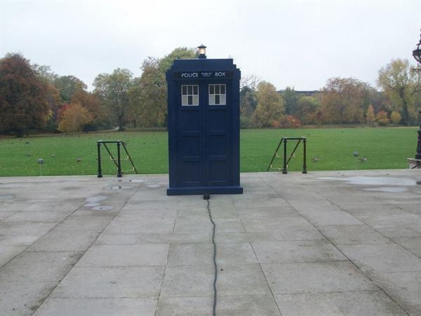 The Tardis in the Palace gardens
