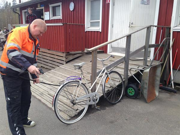 Sadly Mrs Studley's bike had a flat tyre !