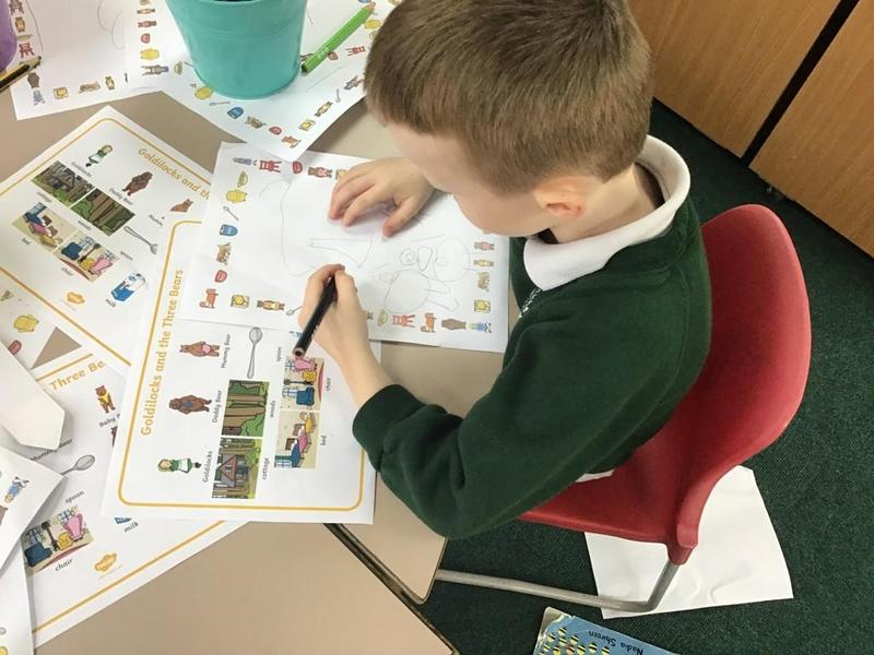 Independent writing using a word mat