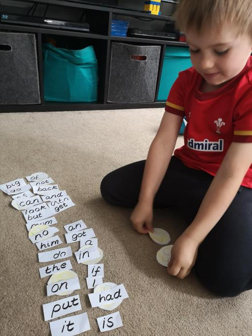 Reading the words and collecting coins
