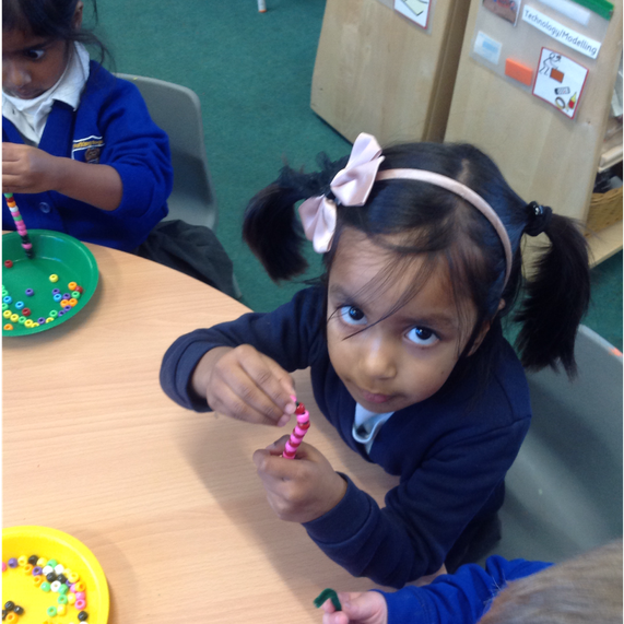 Making repeating pattern candy canes