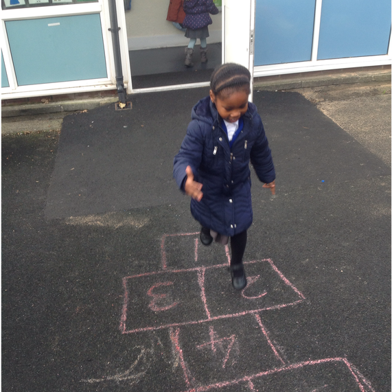 Recognising digits whilst playing hopscotch
