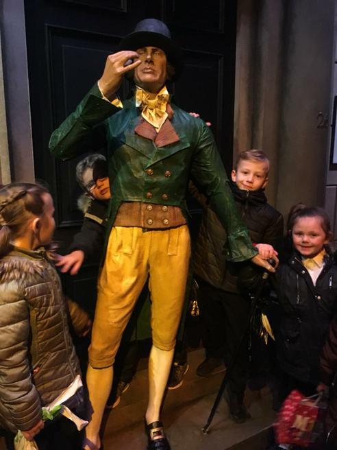 We met some historical figures.