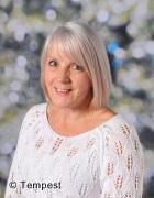 Mrs Linda Beresford- Lunchtime Supervisor