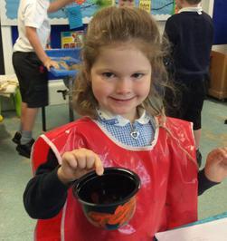 Enterprise Pots - the children have been decorating pots as part of their Enterprise project 23