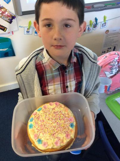Oliver made a luscious lemon cake!