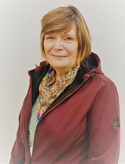 Mrs Diane Tennick