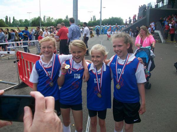 Y4 Girls Relay - Gold Medal, district champions!