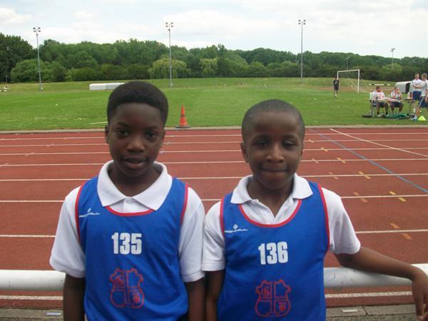Tayo (1st) Jeremiah (2nd) Y5 Boys 75m