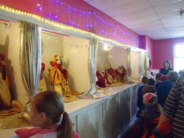 Hearing about the many Hindu gods