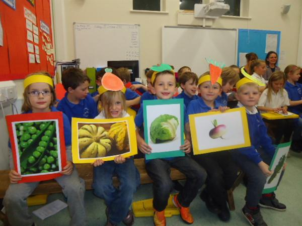 Learning about fruit & veg at our Harvest festival