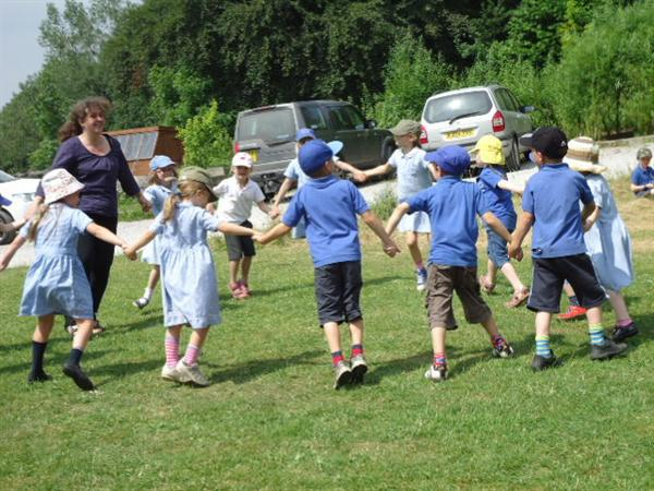 Country dancing in the summer sunshine