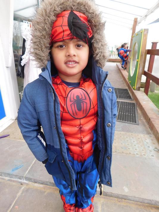 Wrap up warm Spiderman Aranan!