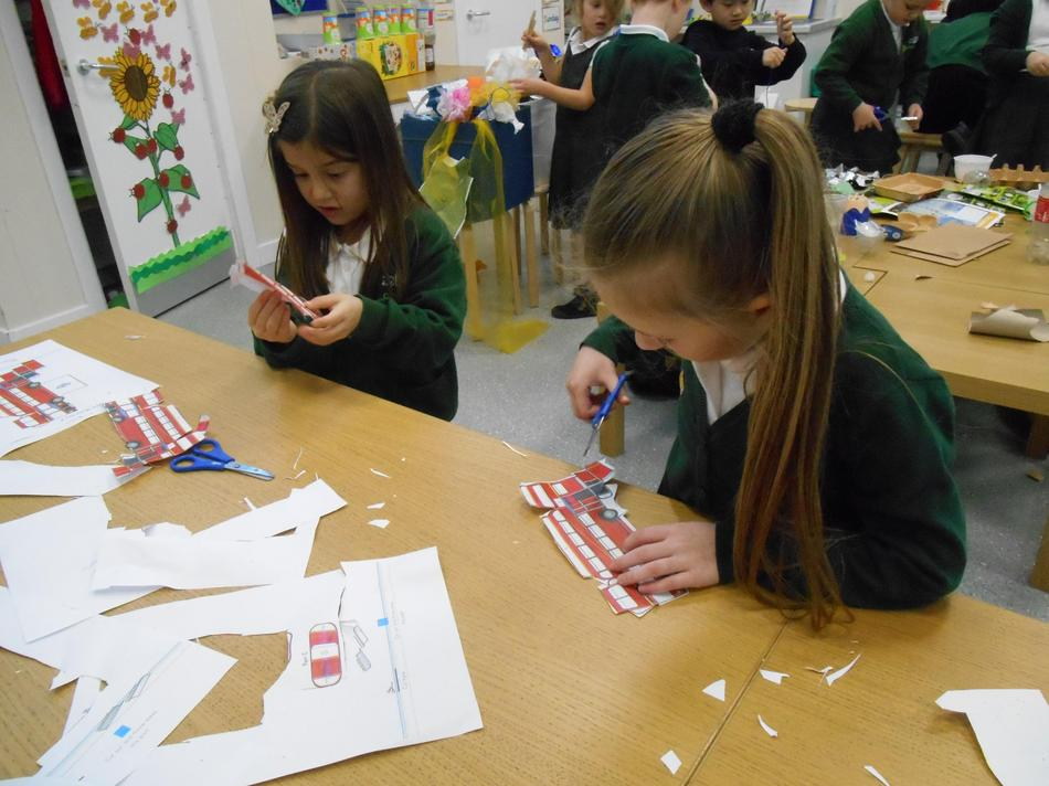 Creating paper model of a London buses