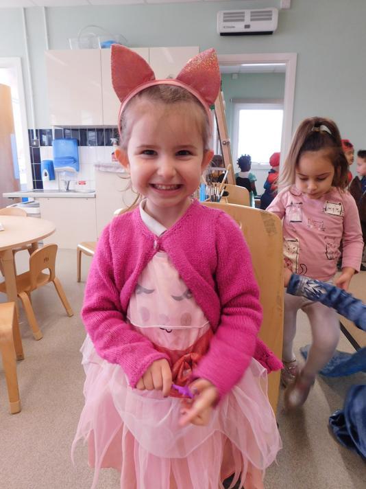 What a cute cat costume Lyla.