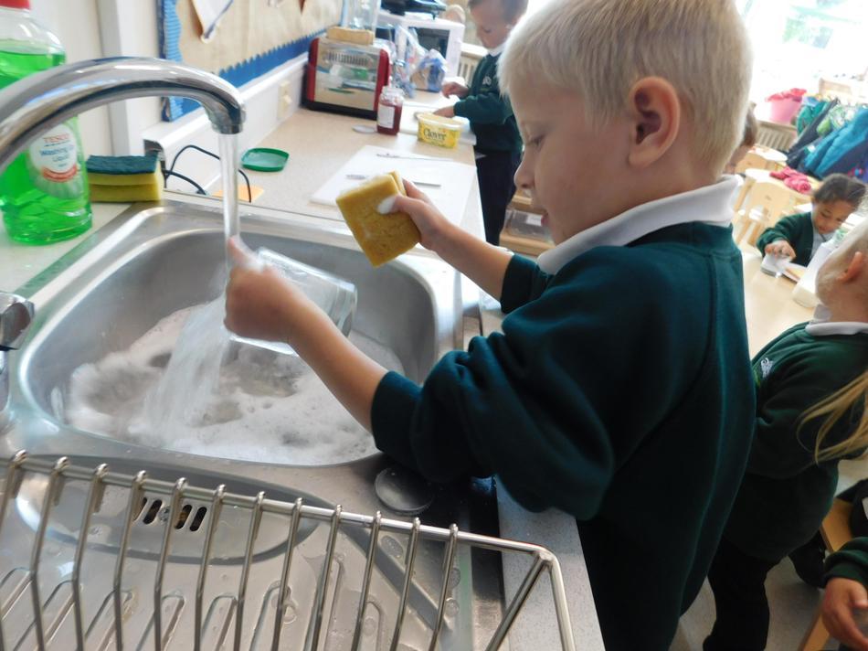 Freddie-Jo is quite handy in the kitchen.