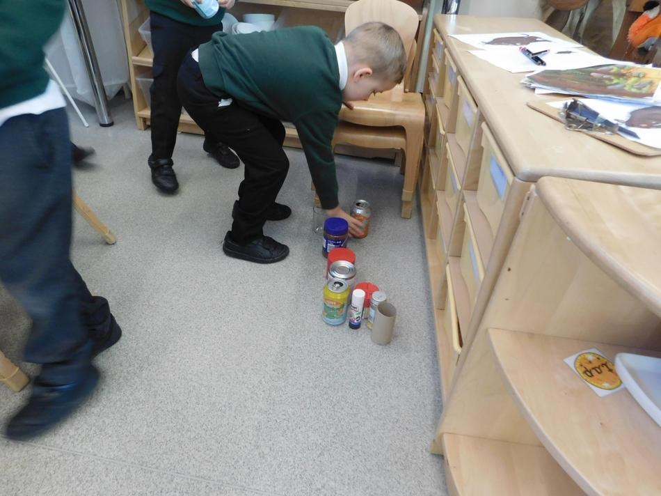 Oscar found a cylinder.