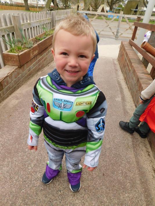 Great Buzz costume Logan!