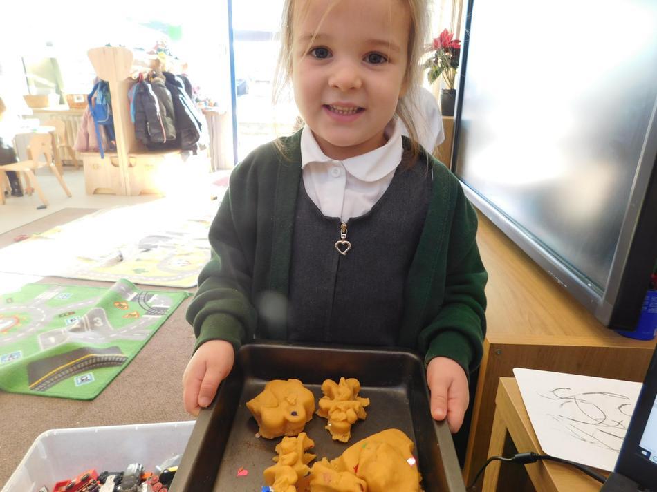Julie-Rose made Christmas cookies.