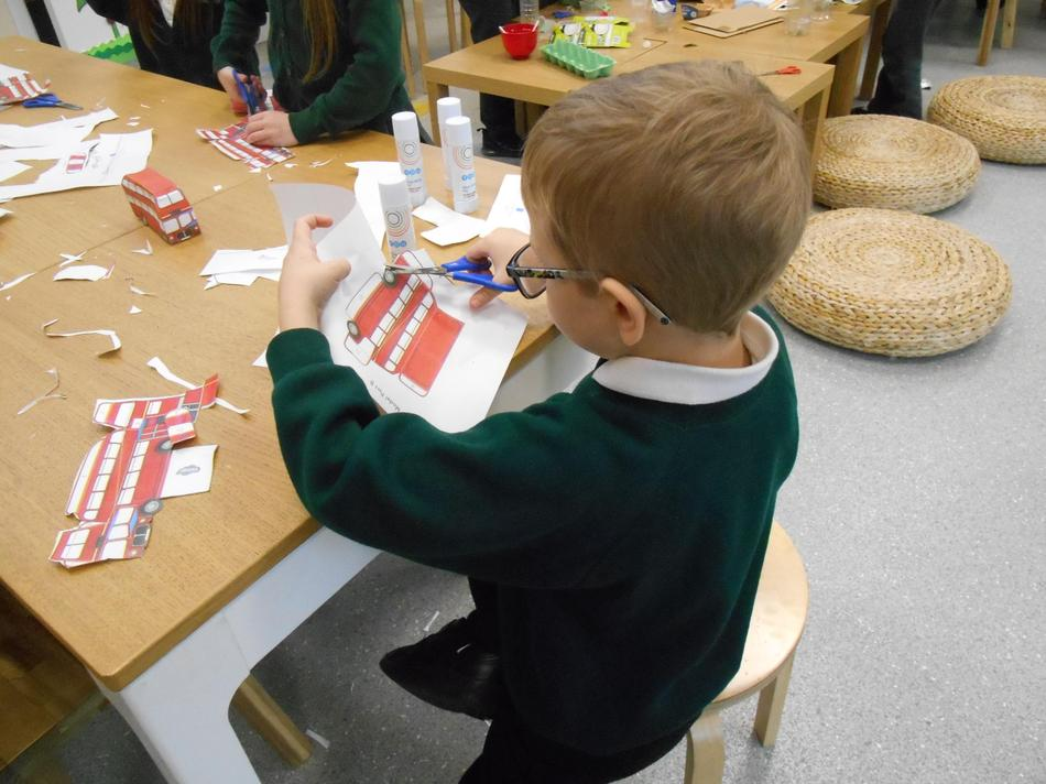 Creating paper model of a London Bus
