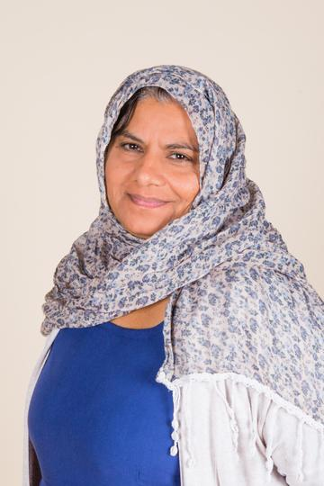 Fareda Khokar - Bilingual Language Instructor