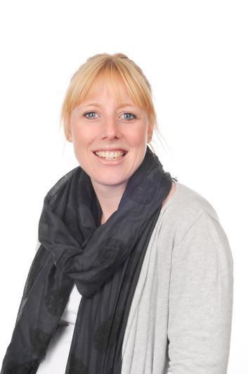 Mrs Esme Ryan - Wrens TA