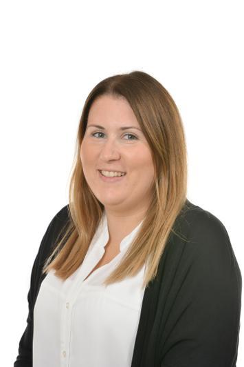 Miss Steph Britton - Year 3 TA DR