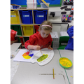 Mixing colours to make green