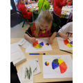 Mixing primary paint colours