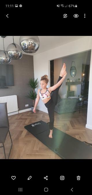 Amazing afternoon gymnastic skills by Eadie!