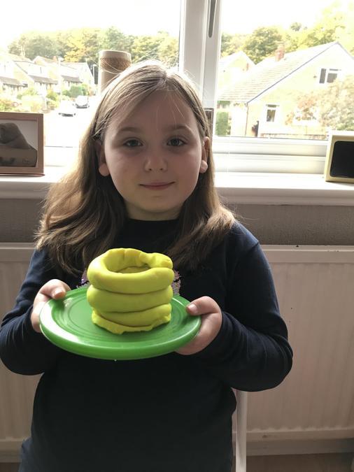 Mya's excellent Stone Age beaker pot!