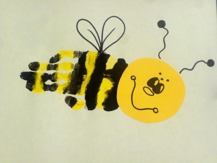 Handprint bee (7)