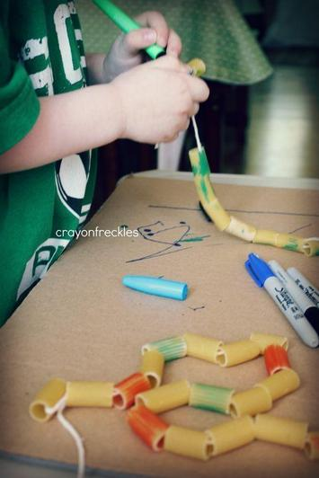 Decorate pasta necklaces or pasta worms