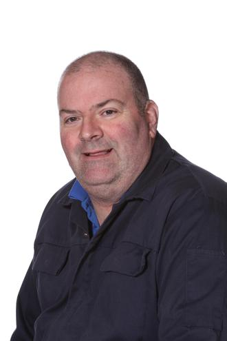 Mr Fraser (Site Manager)