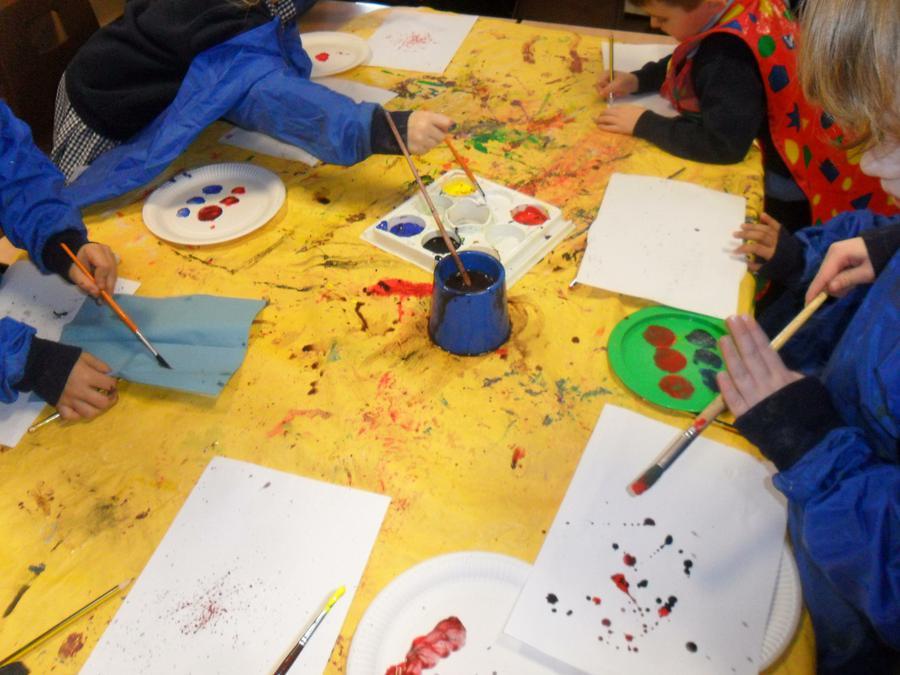 Jackson Pollock drip pictures.