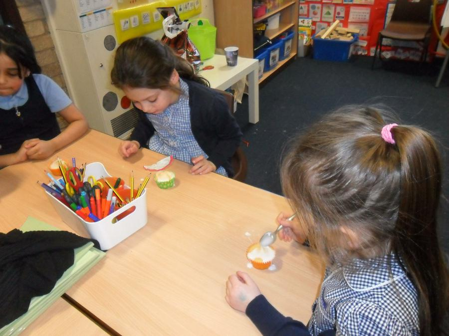 Making cupcakes for our Mums for Mothers' Day.