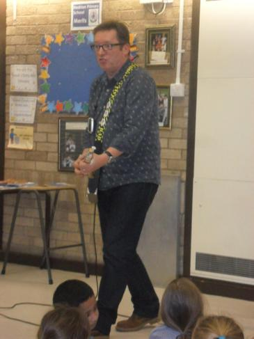 The cigar box ukelele made poetry even more fun !